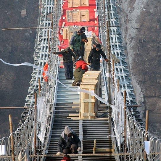 高空玻璃吊桥