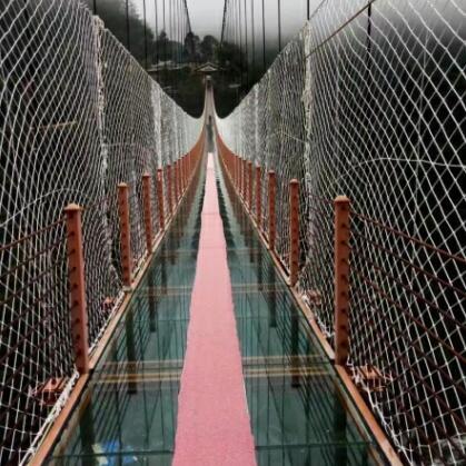 高空透明玻璃吊桥定制