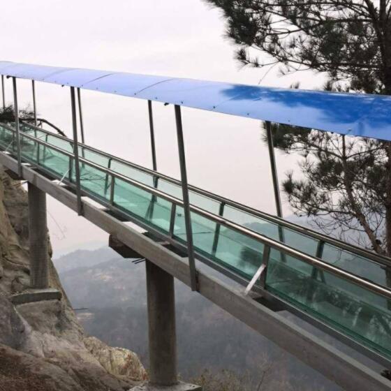 山东玻璃速滑道