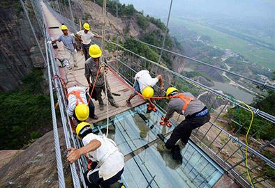玻璃吊桥安装